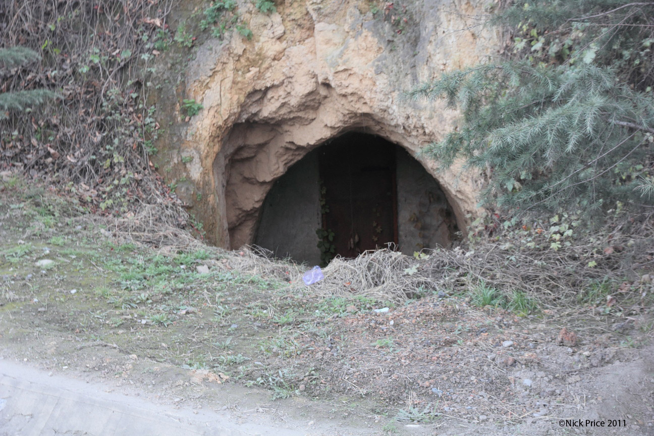Great On Occasionals I Passed A Row Of Caves With Door Frames Built Into Them. In  Days Gone By Over 1/4 Of The Population Of Shanxi Provine Lived In Caves.